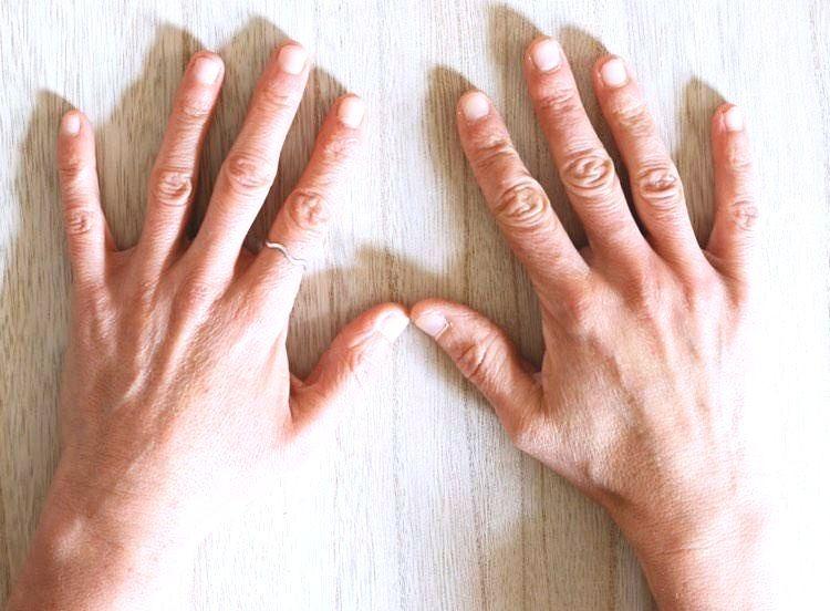 mains LUDULIMI pour il etait une fois dix doigts